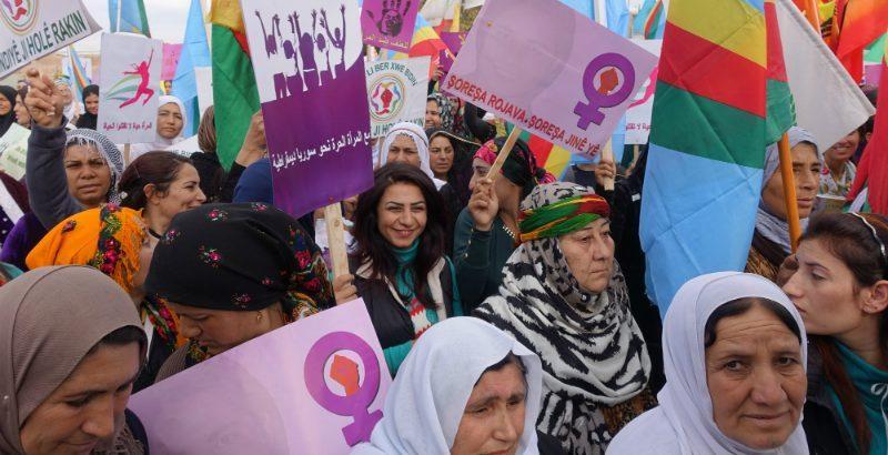 """Mujeres de Kurdistán: """"El Paro Internacional de Mujeres fortalece la pelea en común contra el patriarcado"""""""